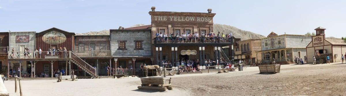 Der Sheriff und der Brand im Western-Fort